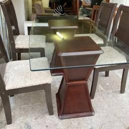 Mesa em excelente estado + cadeiras. Aceito cartão