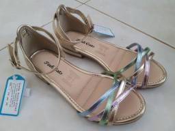 Sandália tamanho 30