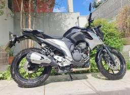 Yamaha FZ25 Fazer ABS