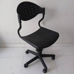 Cadeira giratória secretaria