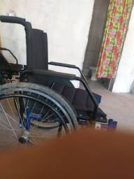 Título do anúncio: Cadeira de Rodas usada para obesos até 120kg