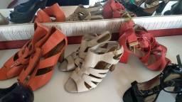 Sandálias salto  semi nova, calcados....