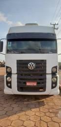 Caminhão vw 25370 com motor cummis do 25390 ja no documento 6x2 2008/2009