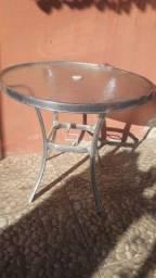 Mesa de aluminio com tampo de vidro