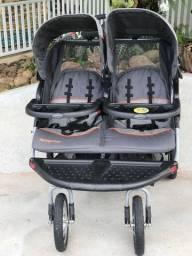 Carrinho duplo de bebê - Baby Trend , modelo Navigator - Usado