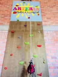 Escalada indoor 4,5m altura. Equipamentos profissionais
