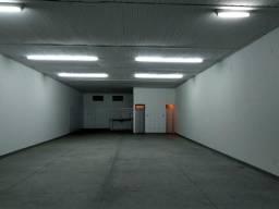 Salão comercial na avenida 200m2