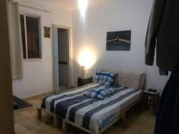 Apartamento de 01 quarto e sala, 01 vaga de garagem, frente, sol da manhã, Jardim da Penha