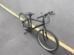 Vendo duas bikes urgente . Uma aro 26 outra aro 24 . Preço negociável ou troco