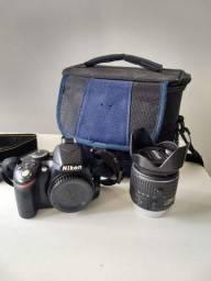 Câmera semi profissional Nikon D3200 e lente Nikon 18-55 mm
