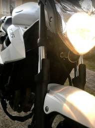 Yamaha XJ6 Branca