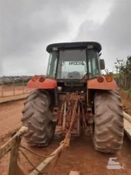 Trator agrícola Massey Ferguson FM7140/Leia a discrição