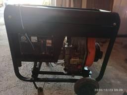 Grupo gerador a diesel