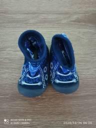 Botinha azul Klin número 17 R$ 15,00