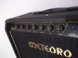 Vende-se Amplificador Meteoro Nitrous GS 100 Combo Transistor 100W preto 110V/220V