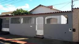 Alugo casa Serra Dourada 3 - Excelente casa