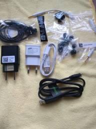 Vendo Carregador original Motorola e Samsung Fones de ouvido antena de tv digital