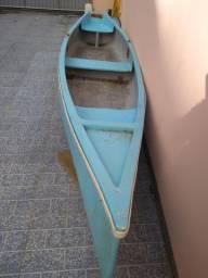 Vende-se canoa.