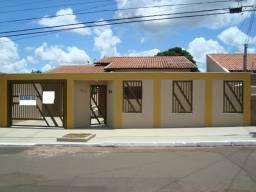 Alugo casa próxima ao Colégio Militar de Campo Grande