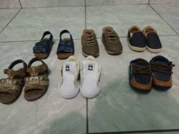 Vendo sapatos infantil menino.