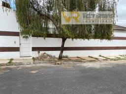 Kitnet de fundos no Mangueira