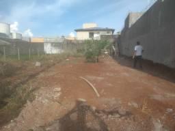 Ótimo terreno no bairro Royal Park 300 mts (12 x 25) R$ 150.000,00 Carro até 30.000,00
