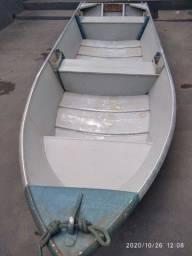 Barco / canoa 4,5 metros