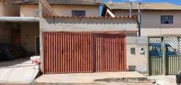 Lindo sobrado com 2 quartos e 2 banheiros em condomínio fechado na Cidade Ocidental