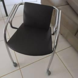 Cadeira de escritório para conserto