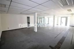 Lojão com Área Total de Aproximadamente 457 m² para Aluguel no Costa Azul (829022)