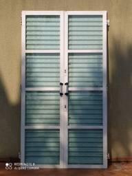 Porta balcão e janela ambas sasazaki