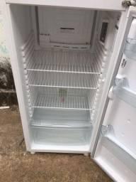 Geladeira Consul duplex gelo seco semi nova, 350 litros
