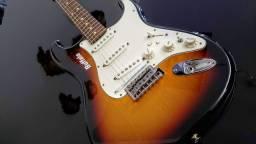 Guitarra Fender/Roland GC-1 zerada - avalio trocas