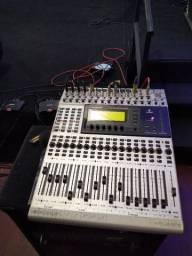 Mesa de som digital Bering DDX 3216
