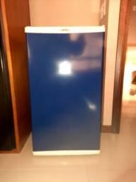 Refrigerador 120 Lt tipo frigobar