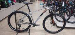 Bicicleta Sense Impact SL tam 17(M) nova.