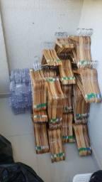 Cabides de madeira  invernizador .
