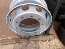 Roda Ferro 275/295 10 furos Usada
