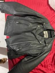Casaco e jaqueta de couro