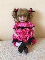 Boneca rara adora doll