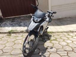 Vendo - Modelo: XRE 300