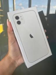 Título do anúncio: iPhone 11 64Gb  branco ( 1 ano de garantia Apple)