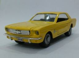 .'. Miniatura 64 Ford Mustang - Maisto Escala 1:39