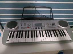 Vendo teclado. Semi novo. Medeli mc49a.