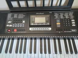 Teclado musical arranjador 61 teclas Hk 812 Usb visor LCD,  bivolt .