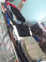 Vendo 300 peças de roupas pra brechó