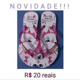 Sandálias com preços variados em promoção