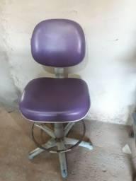 Cadeira de cabeleireiro usada