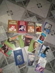 Livros de autores consagrados seminovos