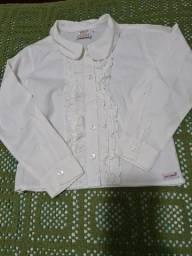 Camisa branca de manga comprida com babado  tam 6 anos
